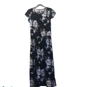 Like new eevee floral black maxi dress one size